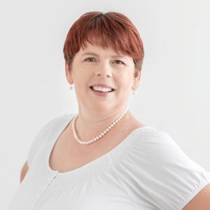 SANDRA SPIERING Krankenschwester: Schwerpunkt Onkologie, Palliative-Care Fachkraft sandra.spiering(at)palliativteam-erding.de